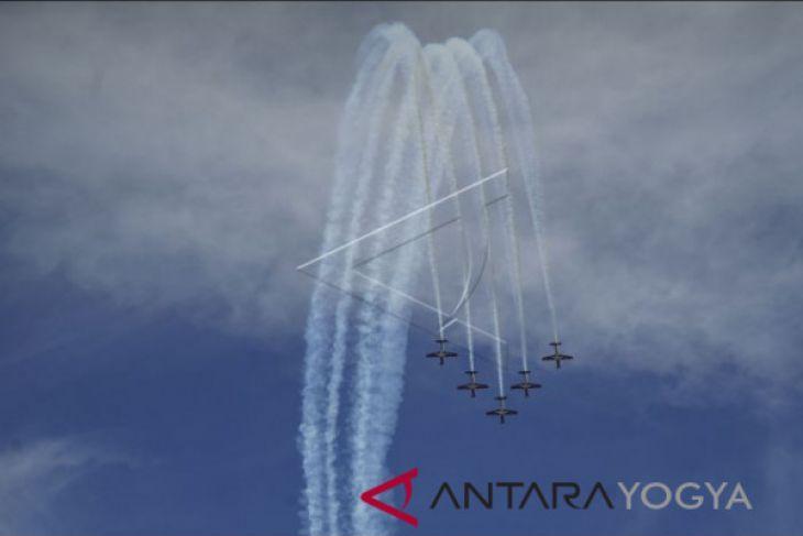 Jupiter Aerobatic Team tampilkan 14 manuver