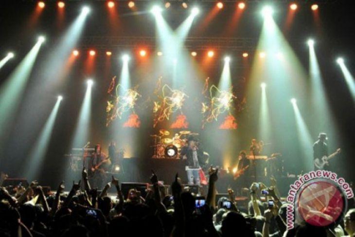 Konser Guns N' Roses, pertunjukan yang membangkitkan nostalgia