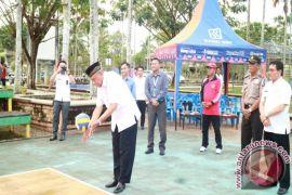 Buka Turnamen Voli U-21, Wagub Sumbang Hadiah
