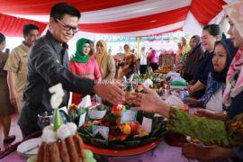 Gubernur Ajak Masyarakat Cintai Pangan Lokal