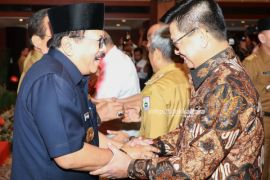 Bersama Gubernur se-Indonesia, Irianto Hadiri Halal Bihalal dan Pengukuhan APPSI