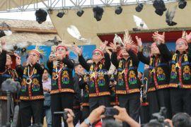 Buka Pesta Budaya Irau, Gubernur Minta Warga Jaga Kebersamaan