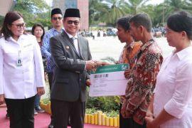 Kaltara UHC, Gubernur Terima Penghargaan dari BPJS Kesehatan
