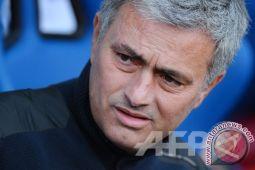 Manchester City Menang Karena Beruntung Saja, Kata Mourinho