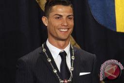 Selamat! Ronaldo Raih Gelar Ballon d'Or Kelima