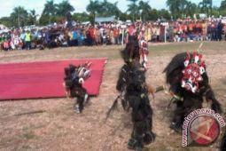 Seribuan penari bertopeng akan ramaikan festival 'Babukung' di Lamandau