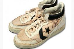 Wow! Lelang Sepatu Michael Jordan Terjual Rp2,53 miliar