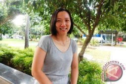 Ellen Angelina Pebulutangkis Banting Stir Jadi