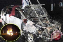 Mobil Baru Lunas Ini Hangus Terbakar, Diduga Akibat Puntung Rokok