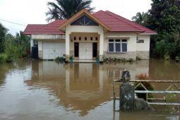 Desa di Gunung Timang Masih Terendam Banjir