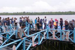 Wisatawan keluhkan pelabuhan  wisata Sagonta rusak