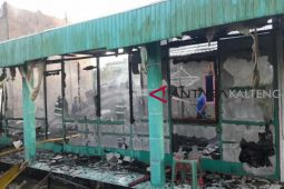 Tiga bangunan di Sampit terbakar saat penghuninya di masjid