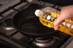 Tips simpan minyak goreng agar tak bau tengik