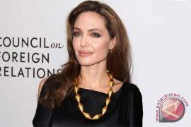Angelina Jolie punya saran menarik buat anda yang beranjak tua