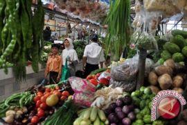Pasar Tradisional Sampit Ramai Pembeli Jelang Natal