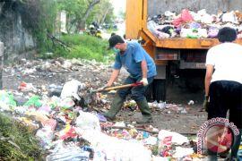 Satpol PP Palangka Raya amankan 45 orang pembuang sampah diluar jam