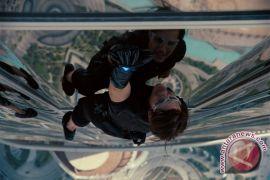 Waduh! Pergelangan Kaki Tom Cruise Patah, Syuting