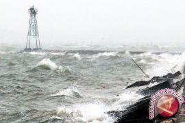 Nelayan Masih Takut Melaut Akibat Gelombang Tinggi