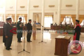 Pelantikan Unsur Pimpinan DPRD Barsel