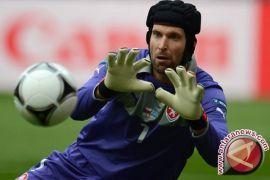 Lawan Chelsea, Cech masih dipercaya Unai Emery