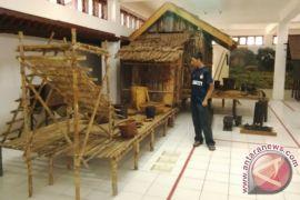 Gali situs dan silsilah tiga kerajaan Dayak Kalteng