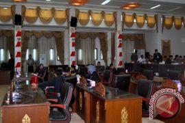 Rapat Paripurna DPRD Barut Batal