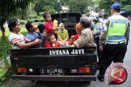 Polres Seruyan larang kampanye mobil bak terbuka