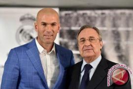 Walau Permainan Tim Terpuruk, Real Madrid Perpanjang Kontrak Zidane