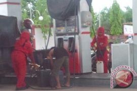 Marak Pelangsir BBM Subsidi di SPBU Sampit