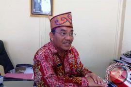 Kontraktor diminta segera perbaiki kanopi pasar di Tangkiling
