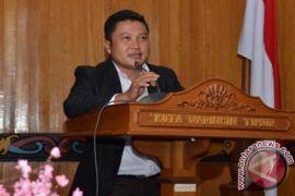 Legislator Ini Menilai Desa Tak Berlistrik Sulit Maju