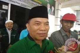 Paslon Idham-Jaya bayarkan biaya pengobatan korban keracunan