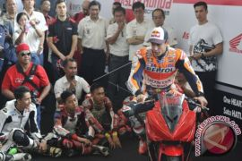 Marc Marquez Beri 'Coaching Clinic'