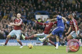 Penyebab dua suporter West Ham dilarang nonton seumur hidup