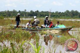 Jalan Trans Kalimantan Putus Karena Banjir