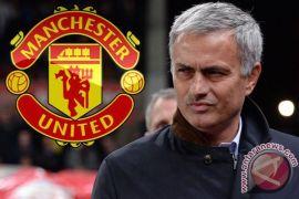 Jose Mourinho senang timnya berhasil amankan peringkat kedua