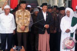Presiden dan Habib Lutfi Bin Yahya di Maulid Nabi