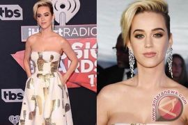 Setelah Putus Dengan Kekasihnya, Katy Perry Mengubah Gaya Rambutnya