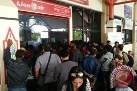 Lagi, Ratusan Penumpang Lion Air Mengantre Lebih dari  6 Jam