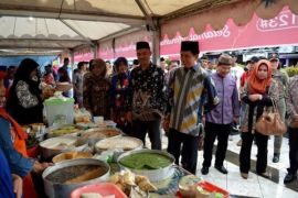 Pasar Wadai Ramadhan Muara Teweh Dipadati Pengunjung
