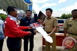 Desa Hajak Terima Bantuan Ambulan dari Perusahaan Batubara