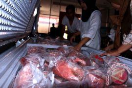 Wah! Penjualan Daging Bulog Sampit Capai 2,5 Ton