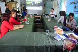 Lokakarya Jurnalistik Bagi Waria di Palangka Raya