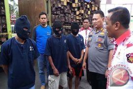 Seribu Lebih Kayu Ilegal di Parenggean Disita Polisi