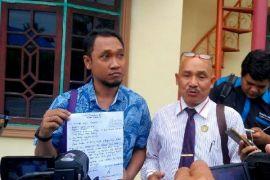 Waduh! Sukah L Nyahun Dicegat Tiga Pria Tak Dikenal
