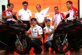 Marquez dan Pedrosa Beri Pelatihan Singkat Berkendara di Indonesia