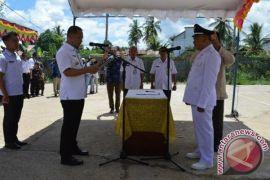 Bupati Eddy Raya Lantik 3 Kades Kecamatan Karau Kuala