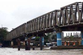 Tongkang Batu Bara Bisa Lewati Bawah Jembatan Muara Teweh