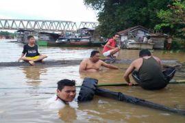 Balita Tenggelam di Sungai Barito Terus Dicari