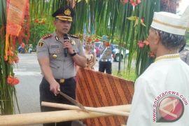 Kapolres Gumas Baru Disambut Dengan Ritual Dayak Ngaju